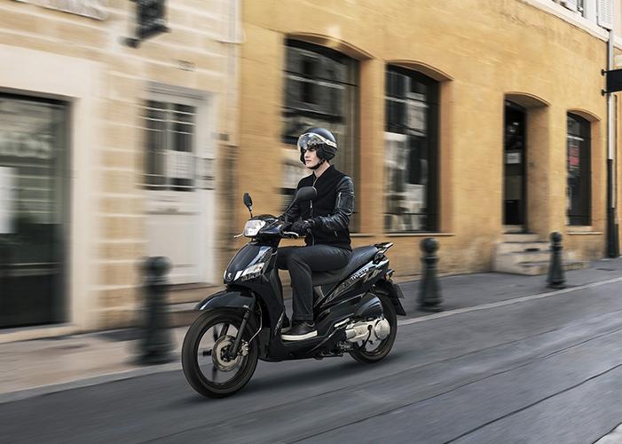 livraison de scooters 50cc